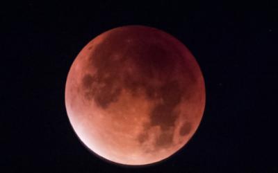 Intense Is An Understatement Given The Super Blue Blood Moon